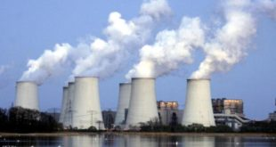 COTTBUS, GERMANY - APRIL 12:  Exhaust plumes from cooling towers at the Jaenschwalde lignite coal-fired power station, which is owned by Vatenfall, April 12, 2007 at Jaenschwalde, Germany. Germany is planning the construction of 40 new coal-fired power plants, though officials claim the plants are based on technology that radically increases their efficiency. The Jaenschwalde power plant, built by the former East German government in the 1980s, emits 25 million tons of CO2 annually and is among the biggest single producers of CO2 emissions in Europe.  (Photo by Sean Gallup/Getty Images)