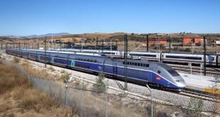 FIGUERES  ALT EMPORDA   PRIMER DIA  DEL AVE -TGV DIRECTO   EL 5  TREN   DIRECCION ESPANYA   12 42 FIGUERES   15-12-13 JOAN CASTRO ICONNA