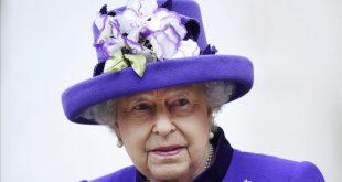 ARA7 LONDRES  REINO UNIDO   20 12 2016 - Fotografia de archivo fechada el 24 de noviembre de 2016 que muestra a la reina Isabel II de Inglaterra tras asistir a la misa de Accion de Gracias en la abadia de Westminster  en Londres  Reino Unido  La monarca dejara de patrocinar mas de 20 organizaciones beneficas a finales de ano  antes de cumplir los 91 anos  informo hoy  20 de diciembre de 2016  el palacio de Buckingham  La soberana britanica  que cumple anos el 21 de abril  pasara el patrocinio de muchas entidades beneficas nacionales a otros miembros de la familia real  anadio el palacio  La reina  en el trono desde 1952  sigue asi los pasos de su marido  el duque de Edimburgo  quien corto los lazos formales con muchas organizaciones al cumplir los 90 anos en 2011  EFE ANDY RAIN