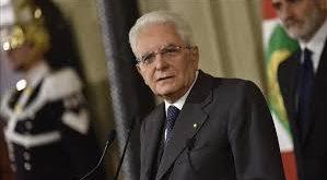 Le président italien charge Carlo Cottarelli