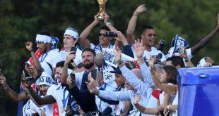 Les Bleus champions du monde célébrés sur les Champs-Elysées
