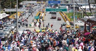 Venezolanos-emigrando-a-Ecuador-6