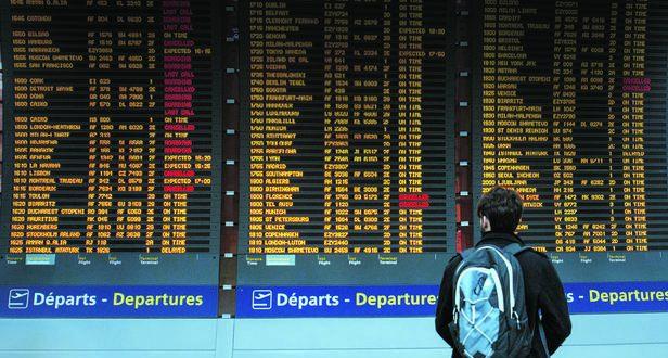 Bruno Levesque / IP3  Roissy France 30 Mars 2018 Illustration aeroport de Paris Charles de Gaulle Tableau d'affichage des departs