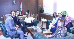 عبد الصمد ووفدا اعلاميا فلسطينيا