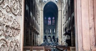 Notre-Dame-Incendio-interior