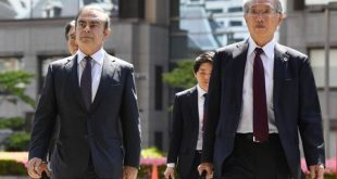 Former Nissan Motor Co. Chairman Carlos Ghosn and his lawyer Junichiro Hironaka arrive at the Tokyo District Court for the first pretrial procedures in his financial misconduct case, in Tokyo, Japan, May 23, 2019, in this photo taken by Kyodo.  Mandatory credit Kyodo/via REUTERS ATTENTION EDITORS - THIS IMAGE WAS PROVIDED BY A THIRD PARTY. MANDATORY CREDIT. JAPAN OUT. NO COMMERCIAL OR EDITORIAL SALES IN JAPAN. - RC1391EAC710