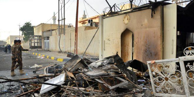 IRAQ_NAJAF_هدوء في مدينة النجف والشرطة تقوم بتنضيف الشوارع وتم فتحها جميعا وكذالك شارع القنصلية الايرانية التي تعرضت للحرق يوم امس  28/11/2019 AFP PHOTO/HAIDAR HAMDANI