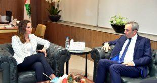 عبد الصمد مع السفير البريطاني