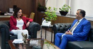 عبد الصمد وسفير الهند